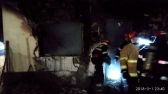 În urma incendiului două persoane au fost carbonizate. FOTO SAJ Constanța
