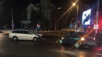 Un viraj la un moment nepotrivit s-a transformat în accident rutier. FOTO IPJ Constanța