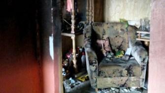 Pompierii au reușit să stingă incendiul, dar bunurile din apartament au fost distruse de foc și fum. FOTO ISU Dobrogea