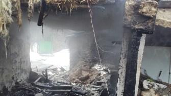 Locuința a fost distrusă în totalitate. FOTO ISU Dobrogea