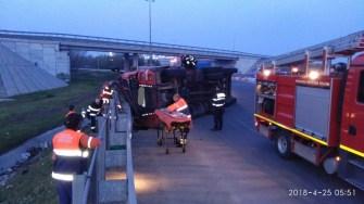 Desfășurare de forțe pentru salvarea unui șofer beat. FOTO IPJ Constanța