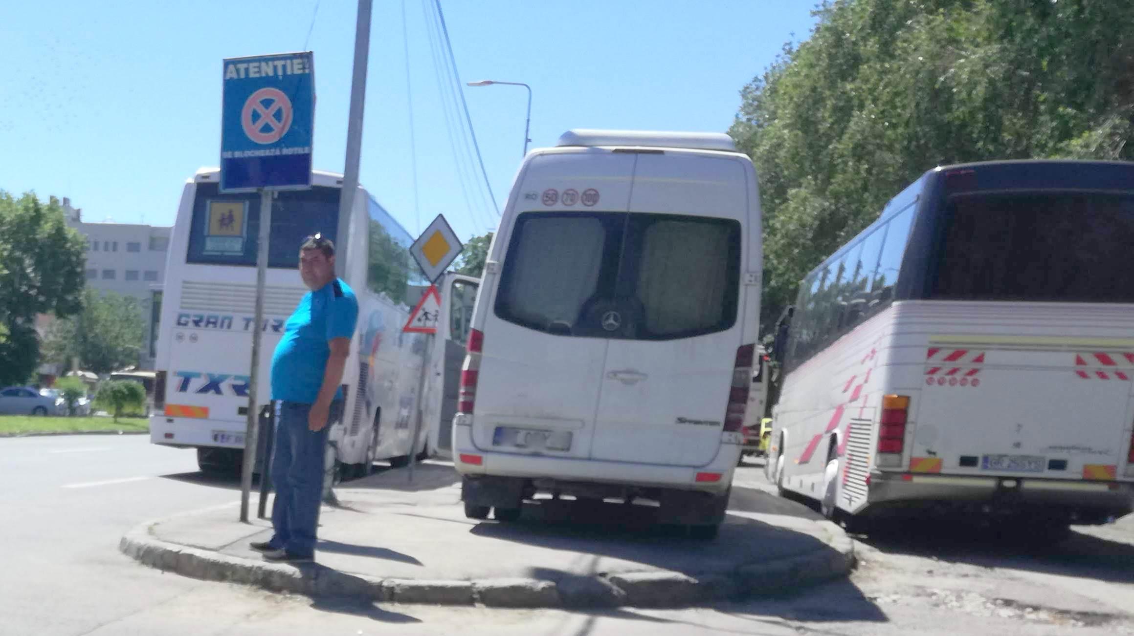 Șoferii de autocare au fost sancționați. FOTO Cătălin SCHIPOR