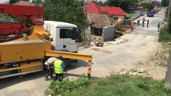Lucrări la drumul surpat din Cernavodă. FOTO CTnews.ro