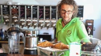 Prepararea cafelei la Caffe Corretto Constanța. FOTO Ștefan Ciocan / CTnews.ro
