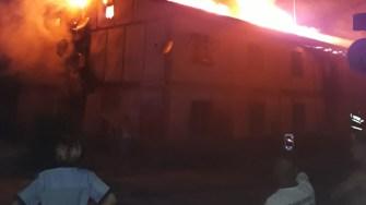 Incendiul s-a extins cu repeziciune. FOTO ISU Dobrogea