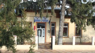 Primăria comunei Ostrov. FOTO CTnews.ro