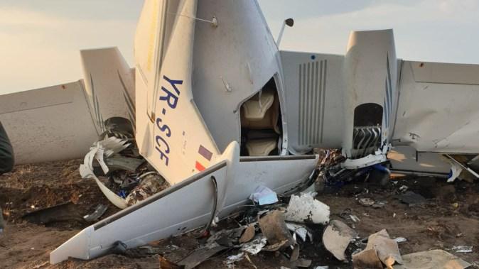 Două persoane au fost grav rănite în urma prăbușirii aeronavei. FOTO SAJ Constanța