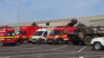 Echipajul navei a fost așteptat pe cheu de militari, echipaje medicale și de polițiștii de la imigrări. FOTO Cătălin SCHIPOR