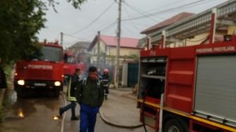 Pompierii au intervenit și au reușit în scurt timp să stingă incendiul. FOTO ISU Dobrogea
