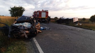 Trei persoane și-au pierdut viața în urma accidentului rutier. FOTO ISU Dobrogea/IPJ Constanța