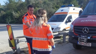 Cadrele medicale au constatat decesul femeii. FOTO ISU Dobrogea