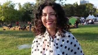 """Purtătorul de cuvânt al Asociației """"Delta Dunării"""", Corina Daviidov, la Sărbătoarea Tradițiilor și Meșteșugurilor Dobrogene. FOTO CTnews.ro"""