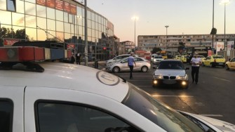 Polițiștii au verificat autoturismele din zona Gării CFR Constanța. FOTO CTNews.ro