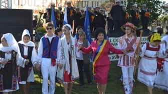 """Primarul comunei Cumpăna, Mariana Gâju, la Festivalul Internațional """"Rodul Pământului"""". FOTO CTnews.ro"""