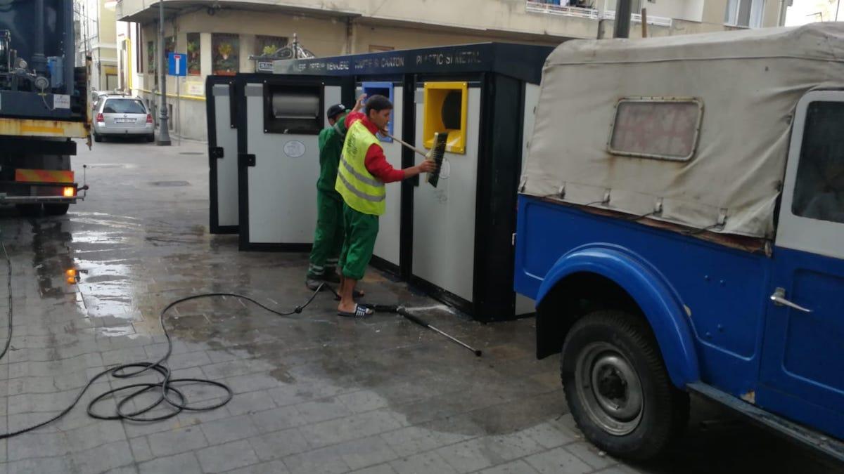 Angajații Polaris M Holding au igienizat platformele de gunoi din Constanța și Mamaia. FOTO Primăria Constanța