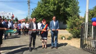 Sala de sport din Saraiu a fost inaugurată de președintele CJ Constanța, Marius Horia Țuțuianu, prefectul Dumitru Jeacă și primarul Dorinela Irimia. FOTO Cristina Niță