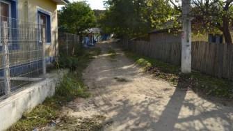 Stradă din Seimeni care urmează să fie asfaltată. FOTO CTnews.ro