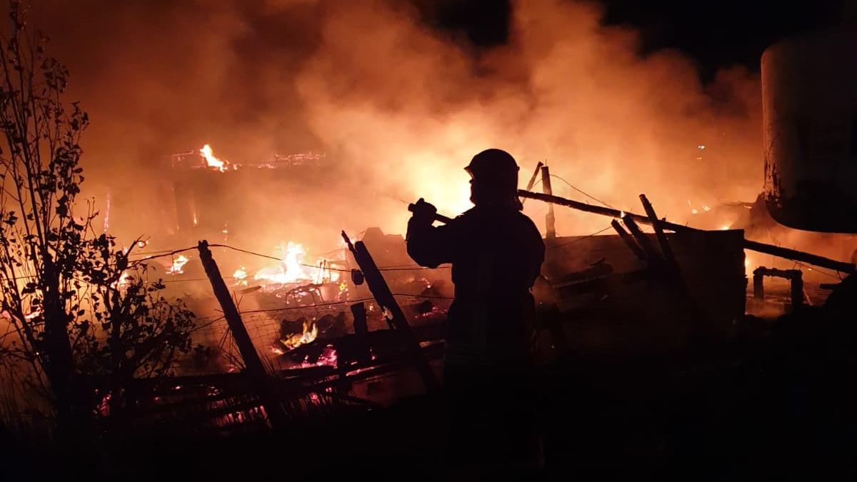 incendiu pescarie navodari (2)