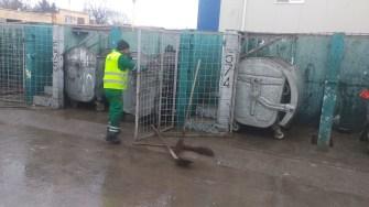 Platformele de colectare a deșeurilor au fost curățate și spălate. FOTO Primăria Constanța