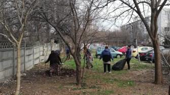Mai multe zone au fost igienizate cu ajutorul asisteților sociali. FOTO Primăria Constanța