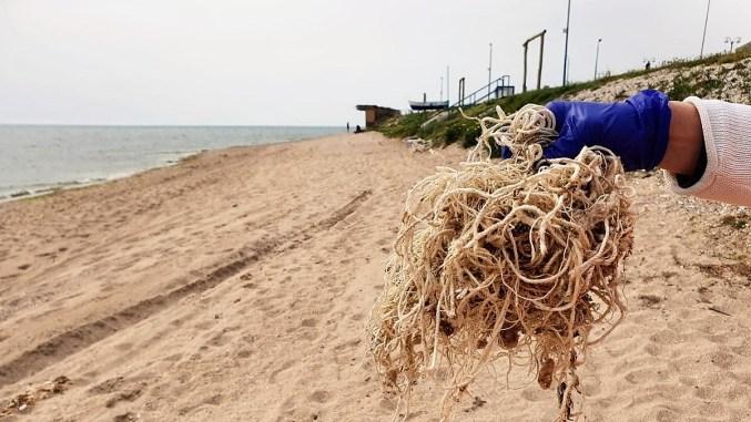 Cantitățile de deșeuri de pe plajele românești au scăzut considerabil. FOTO ONG Mare Nostrum