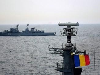 Sute de marinari militari români se instruiesc în Marea Neagră. FOTO SMFN