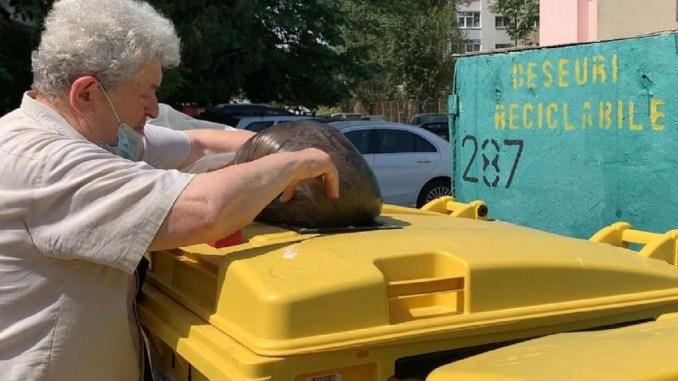 Continuă acțiunea de amplasare a containerelor pentru deșeuri reciclabile în Constanța. FOTO Primăria Constanța