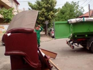 Deșeurile voluminoase din Constanța sunt ridicate, gratuit, de Polaris M Holding. FOTO Primăria Constanța