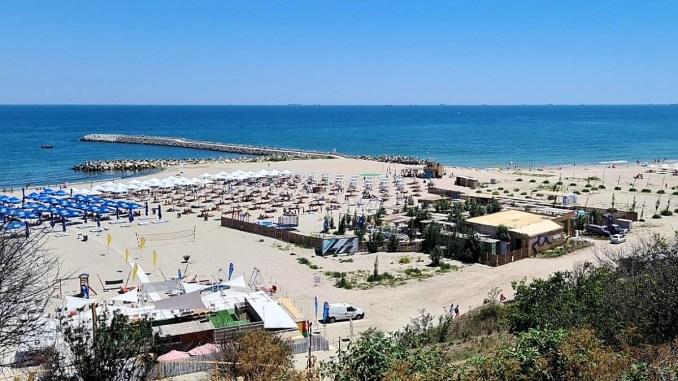 Plaja 3 Papuci din cartierul Faleză Nord