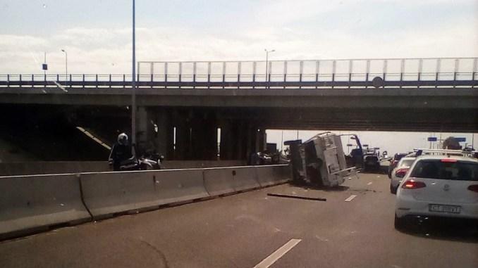 Accident pe DN 3, la ieșirea din Constanța spre Valu lui Traian. FOTO amator