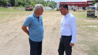 Șerif Cîrjali, viceprimarul orașului Cernavodă și Mariuis Pelin, inginer constructor. FOTO Adrian Boioglu