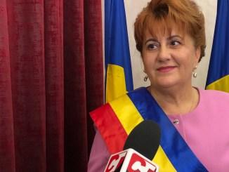 Dorinela Irimia, primarul comunei Saraiu. FOTO Liliana Boioglu