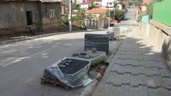 Primăria Cernavodă modernizează trotuarele din oraș. FOTO Paul Alexe