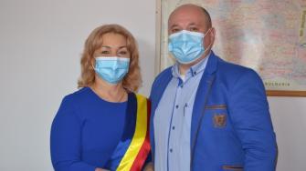 Ceremonia de învestire a Nicoletei Vrabie ca primar al comunei Peștera. FOTO CTnews.ro