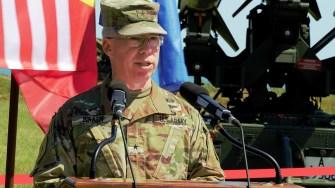 Generalul de brigadă Gregory Bradley din US Army
