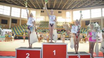 Sportivele de la CS Victoria Cumpăna, medaliate de Arad. FOTO Primăria Cumpăna