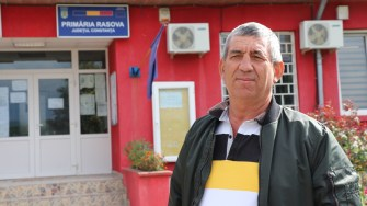 Mihalache Neamțu, primarul comunei Rasova. FOTO Adrian Boioglu