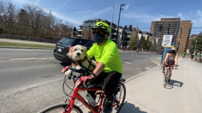Cyclists roll onto pathways as Ottawa enjoys summer-like weather