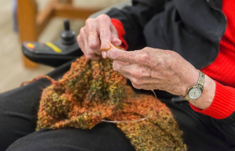Knitting fingers