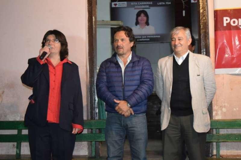 Coronel Moldes: dejan a Rita Carreras sola con su familia
