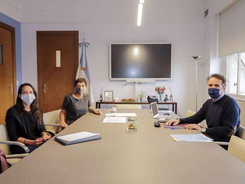 Quilmes: Mayra Mendoza recibió a Gabriel Katopodis para avanzar con los  proyectos de obras para el distrito