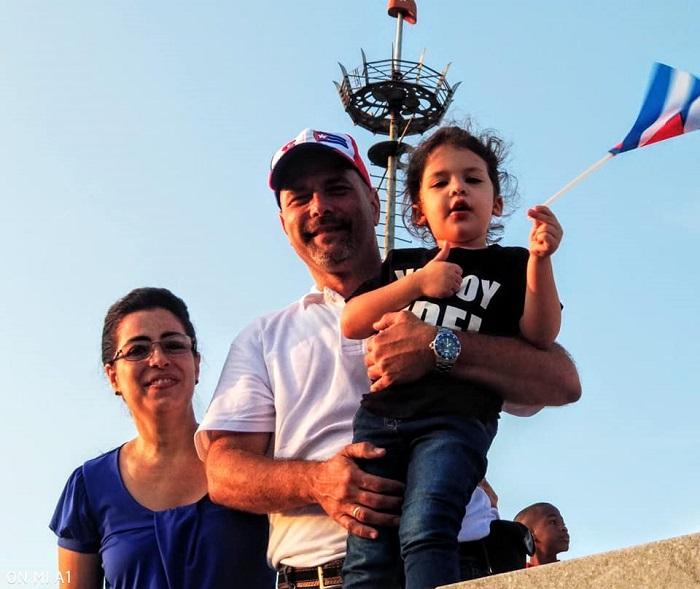 Gerardo hernandez y su familia.