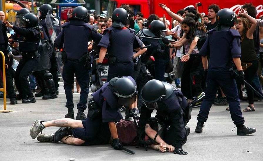 https://i2.wp.com/www.cubadebate.cu/wp-content/gallery/indignados-en-barcelona/protestas-barcelona14.jpg