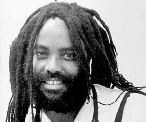 Periodista afronorteamerciano Mumia Abu Jamal