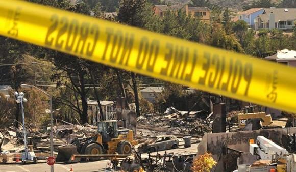 Vista general de los escombros de casas hoy, domingo 12 de septiembre de 2010, en San Bruno, California (EEUU). (Foto EFE/JOHN EDELSON)