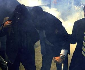 Rafael Correa después del ataque bombas lacrimógenas.