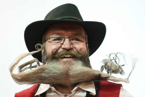Un peluquero alemán ha ganado el premio al mejor bigote del mundo en el Campeonato Mundial de bigotes celebrado en Trondheim, Noruega.
