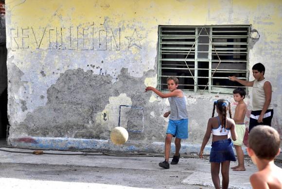 Niños del barrio El Fanguito. Foto: Kaloian.