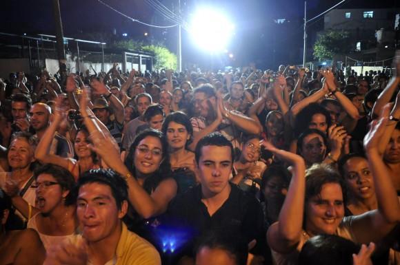 Concierto de Silvio Rodríguez y sus compañeros en el Barrio de El Fanguito. Foto Kaloian