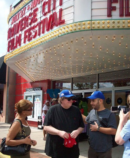 Con Michael Moore en Michigan.